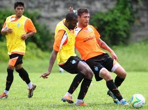 Reniê e Marcos Paraná durante treino no Paysandu (Foto: Akira Onuma/O Liberal)