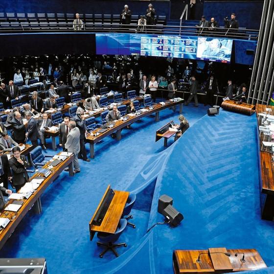 O plenário do Senado na semana passada.O foro privilegiado caiu sem discussão (Foto:  Waldemir Barreto/Agência Senado)