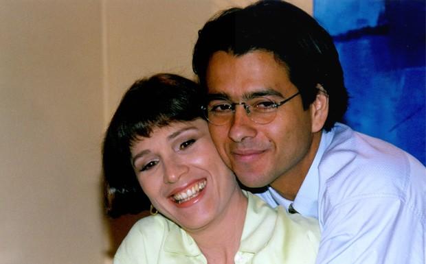 Lcia Prado (Natlia do Vale) e Alexandre (Marcos Palmeira) em