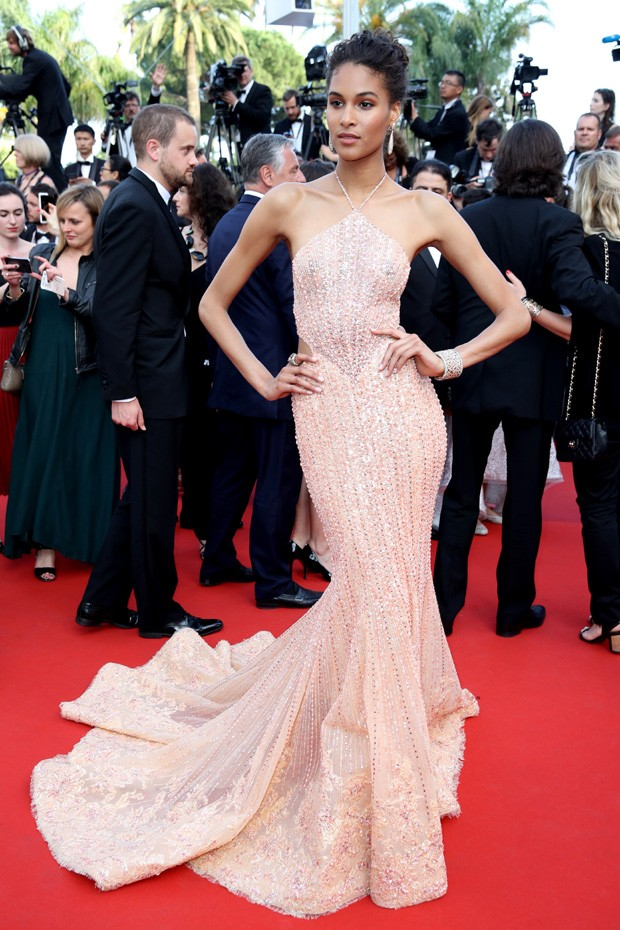 "CANNES, FRANCE - MAY 24: Cindy Bruna attends the ""The Beguiled"" screening during the 70th annual Cannes Film Festival at Palais des Festivals on May 24, 2017 in Cannes, France. (Photo by Chris Jackson/Getty Images) (Foto: Getty Images)"