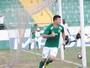 Sem convencer, Guarani bate União com gols de gringos e dorme no G-4