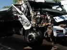 Acidente com caminhões provoca congestionamento na BR-153; vídeo