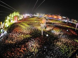 Cidade do Rock, 30 de setembro : a multidão vibra com shows no quinto dia do festival (Foto: Alexandre Durão/G1)