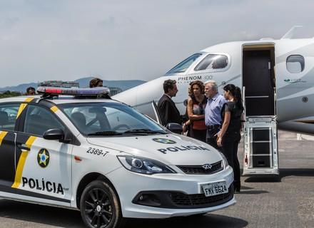 Último capítulo 'Pega Pega': Polícia intercepta avião de Athaíde e Lígia