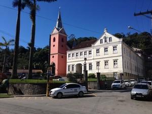 Convento e Igreja do Sagrado Coração de Jesus em Petrópolis (Foto: Maria Valente/Inter TV)