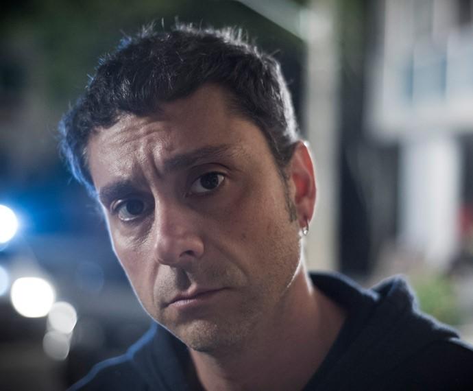 Alexandre Nero apareceu 18 anos mais jovem em flashback (Foto: Caiuá Franco / Globo)