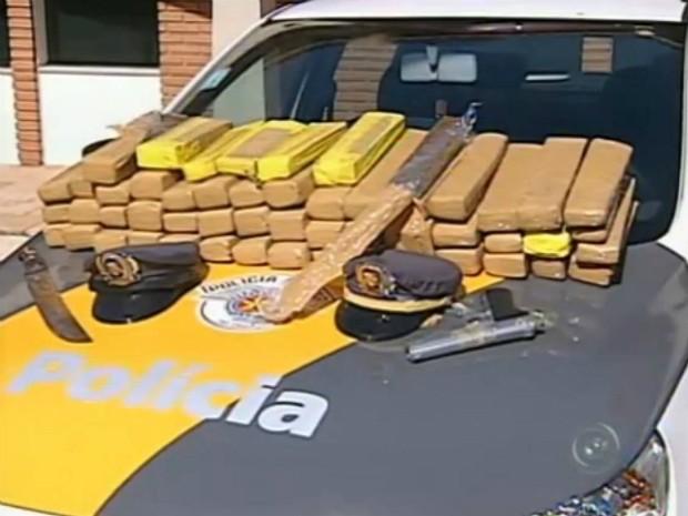 Ex-policial é detido com 40 quilos de maconha (Foto: Reprodução TV Tem)