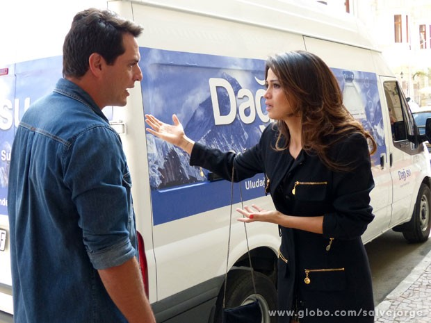 Théo promete que vai trazer a filha de volta (Foto: Salve Jorge/TV Globo)
