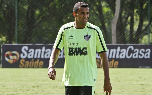 Volante Serginho, durante treino no Atlético-MG (Foto: Bruno Cantini / Site oficial do Atlético-MG)
