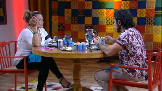 Ieda e Rômulo brindam no almoço do Anjo