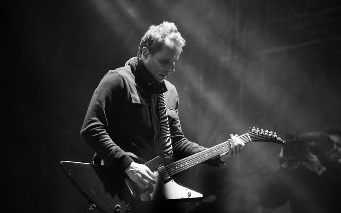 Tony Belotto, dos Titãs, toca sucessos no João Rock 2016  (Foto: Érico Andrade/Gshow)