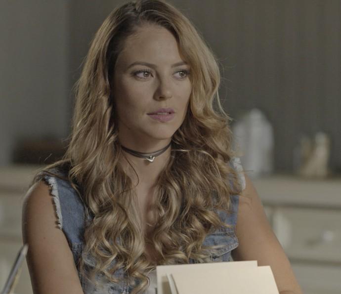 Melissa vibra com a resposta de Roberto (Foto: TV Globo)