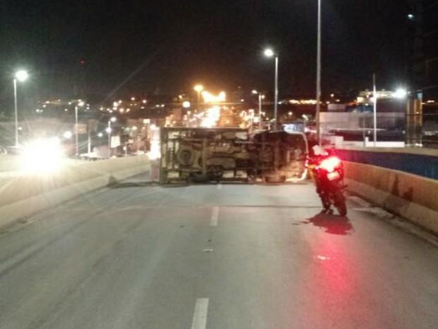 Acidente gerou congestionamento de até 4 km na pista (Foto: Kléber Leitão/Arquivo Pessoal)