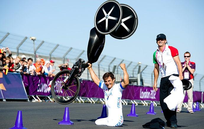 Alessandro Zanardi comemoração Paralimpíadas (Foto: Getty Images)