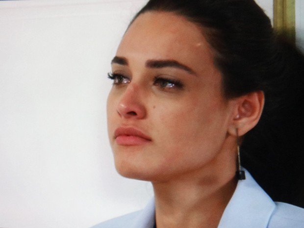 Sueli fica ;chocada com a reação do médico (Foto: TV Globo)