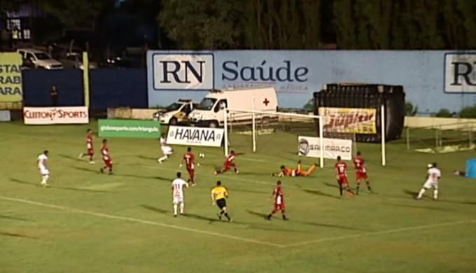 Uberaba x Boa Esporte (Foto: Reprodução EPTV)