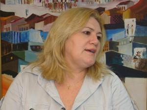 Desembargadora Ilka Esdra reafirmou postura do TRT durante entrevista coletiva (Foto: Lenno Edroaldo)