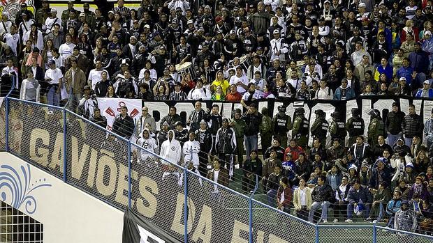 torcida do Corinthians no jogo com o San José na Bolívia (Foto: Daniel Augusto Jr. / Ag. Corinthians)