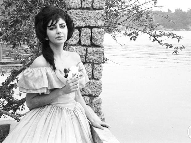 Marília Pêra em 'A Moreninha', em 1965 (Foto: Cedoc/TV Globo)