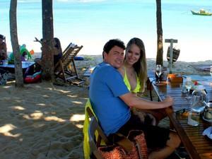 O senador Wilder Morais (DEM-GO) e a modelo Vanessa Gualberto, em novembro passado (Foto: Reprodução/Facebook)