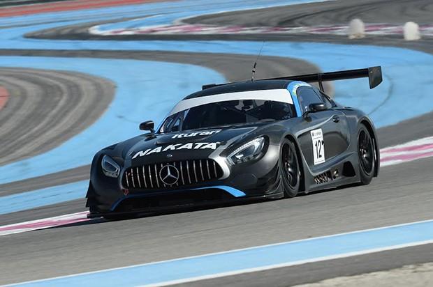 """A Mercedes AMG GT3 fazendo seu """"warmup"""" em Paul Ricard, na pré temporada do GT3. (Foto: Divulgação)"""