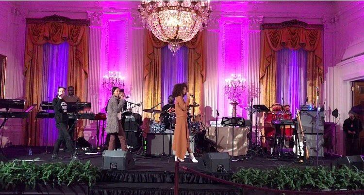 Solange Knowles faz a passagem de som (Foto: Reprodução)