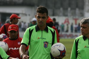 árbitro Andrey da Silva e Silva (Foto: Cristino Martins)