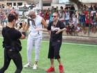 MC Guimê grava clipe com padrasto de Lexa