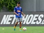 Gabigol marca trs em preparao