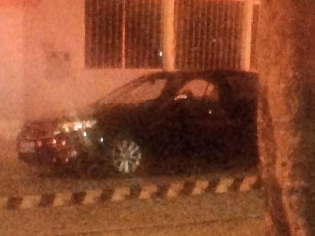 Jovem é morto a tiros no Bairro da Vitória, em Goiânia, Goiás (Foto: Reprodução/ TV Anhanguera)