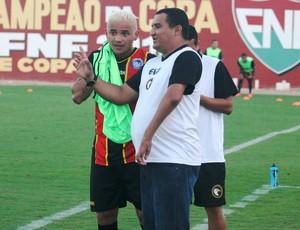 Higor César - treinador do Globo FC (Foto: Canindé Pereira/Divulgação)