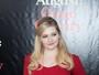 Atriz de 'Pequena Miss Sunshine', Abigail Breslin posa com vestido justo
