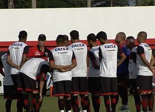 Jogadores do Atlético-GO em treino (Foto: Reprodução/TV Anhanguera)