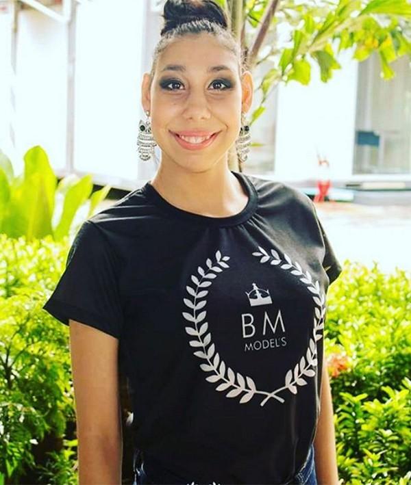 Ana Victória Lago, de 17 anos, a primeira modelo com microcefalia a assinar contrato com uma agência (Foto: Arquivo pessoal)