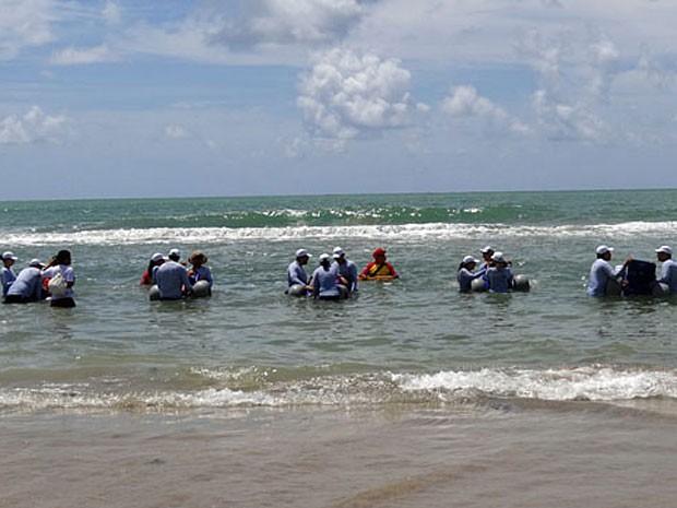 Projeto Praia sem barreiras, na praia de Boa Viagem, no Recife (Foto: Katherine Coutinho / G1)