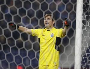 Casillas Porto x Dinamo de Kiev (Foto: Reuters)