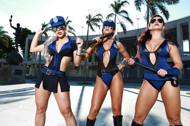 Vanessa Mesquita, Cacau Colucci e Bianca Leão posam para marca de lingerie (Foto: Divulgação)