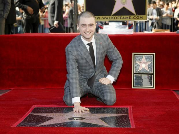 Daniel Radcliffe ganha estrela na Calçada da Fama de Hollywood (Foto: REUTERS/Danny Moloshok)