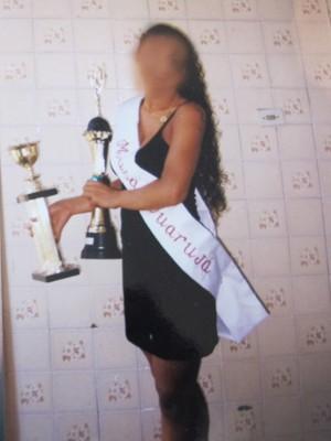 Ex-modelo já venceu concursos antes de colocar silicone no bumbum (Foto: Arquivo Pessoal)