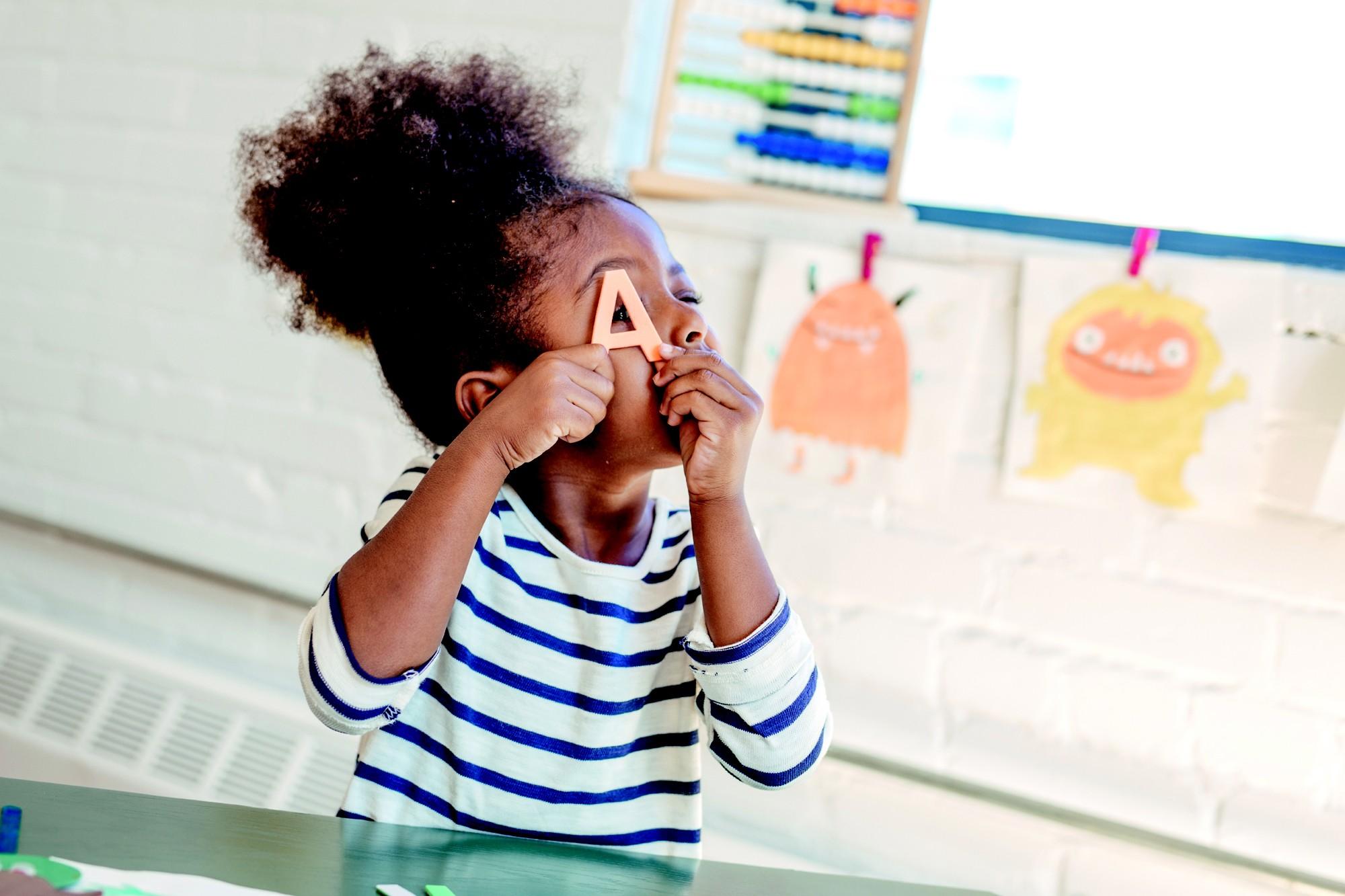 Seu filho leva o que aprende na escola infantil para toda a vida (Foto: Getty Images)