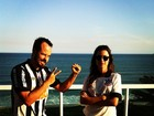 Thaila Ayala e Paulo Vilhena assistem a jogo e torcem para times diferentes