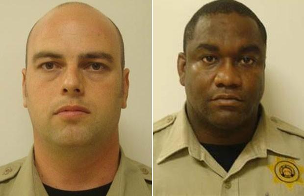 Dewayne Powers (esq) e Andrea Rogers foram afastados por comunicação inapropriada com a detenta. (Foto: Divulgação)