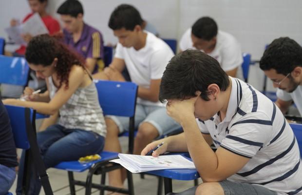 Sem Fies, empresas de ensino devem assumir risco