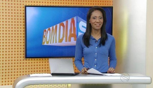Maristela Niz apresenta o Bom Dia Sergipe desta quinta (Foto: Divulgação / TV Sergipe)