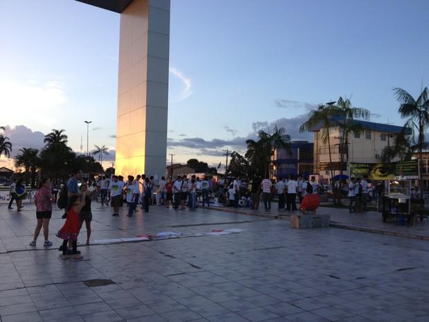 Concetração para o quinto dia de protesto em Roraima (Foto: Neidiana Oliveira/G1)
