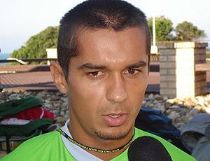 Andrade treino Coritiba entrevista (Foto: Fred Huber / GLOBOESPORTE.COM)