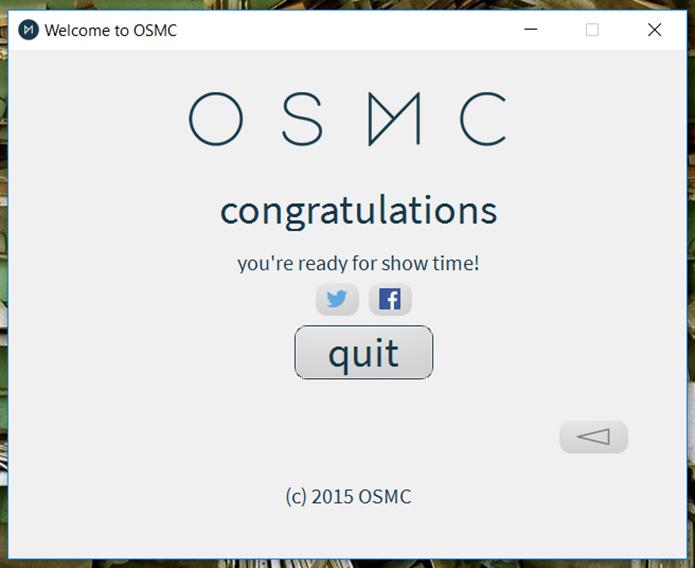Pronto! Você já poderá testar o OSMC no Raspberry Pi. Basta colocar o cartão de memória no computador em uma placa e ligá-lo (Foto: Reprodução/Filipe Garrett)