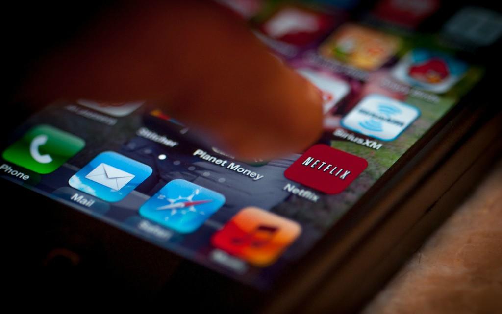 """Casais que assistem Netflix juntos podem estar se """"enganando"""" (Foto: Shardayyy)"""