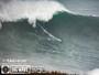 Burle encara ondas com cerca de 15m em Nazaré e entra em lista de prêmio