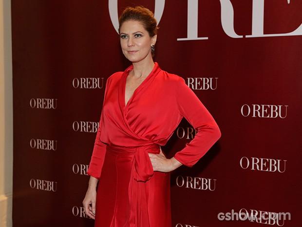 Patricia Pillar chega elegante ao estilo Angela Mahler (Foto: Fábio Rocha / TV Globo)